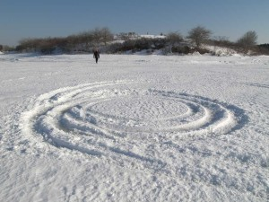 Spiral tracks in ice